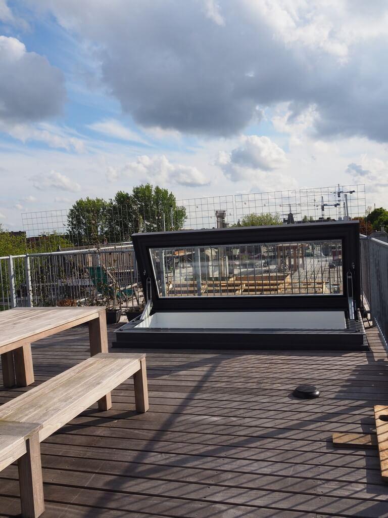 Elektrisch dakluik Skydoor in loft in Amsterdam